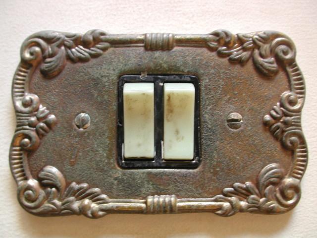 starší typ vypínače