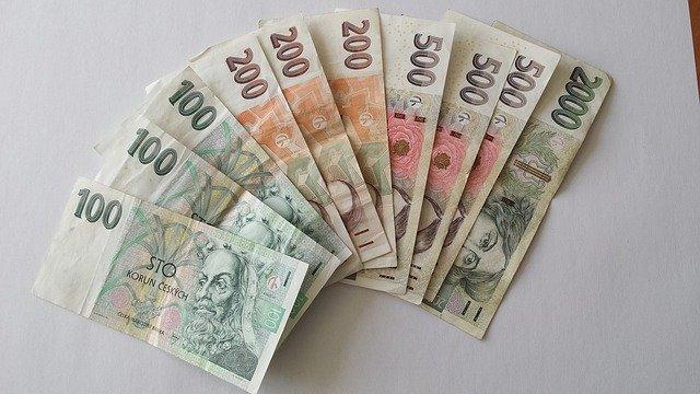 české bankovky, koruny
