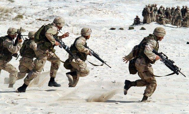 vojáci válka